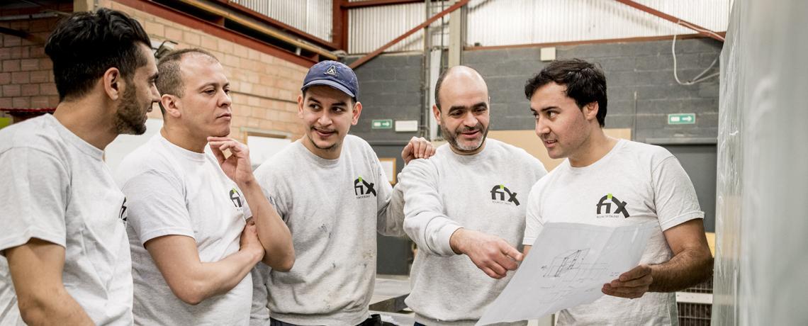 Instructeur Farid met zijn ploeg